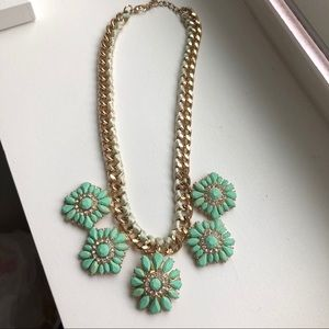 NWOT Sea Green and Gold Flower Statement Necklace